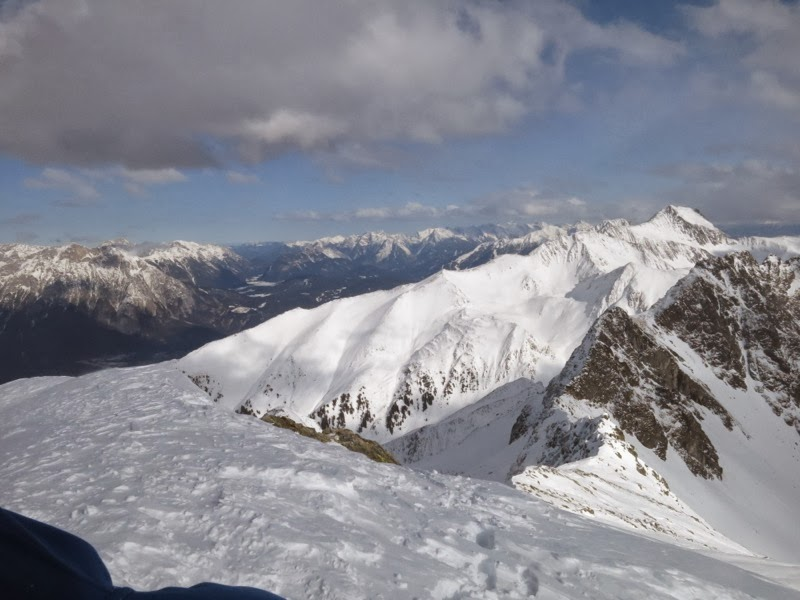 Gipfelblick, rechts der Rietzer Grießkogl