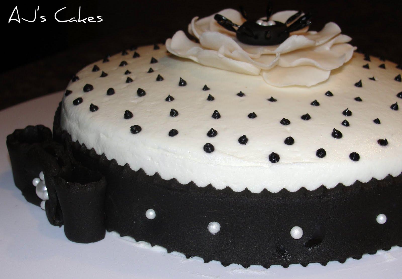 AJ's Cakes: Black and White Little Cake