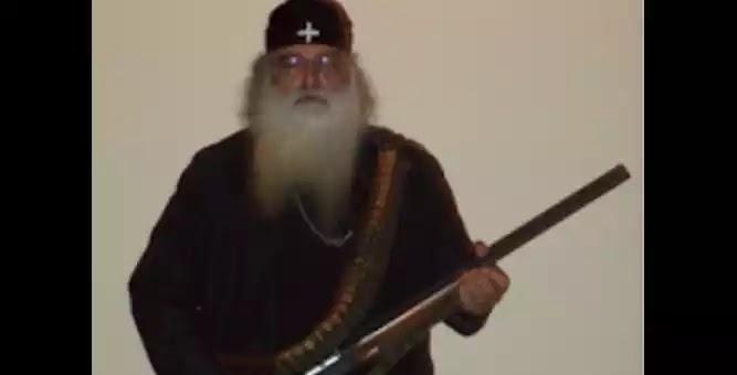 Του κατάσχεσαν το όπλο και «άστραψε και βρόντηξε» ο παπά Δημήτρης κατά των Νεοταξιτών Επισκόπων της Ιεράς Συνόδου
