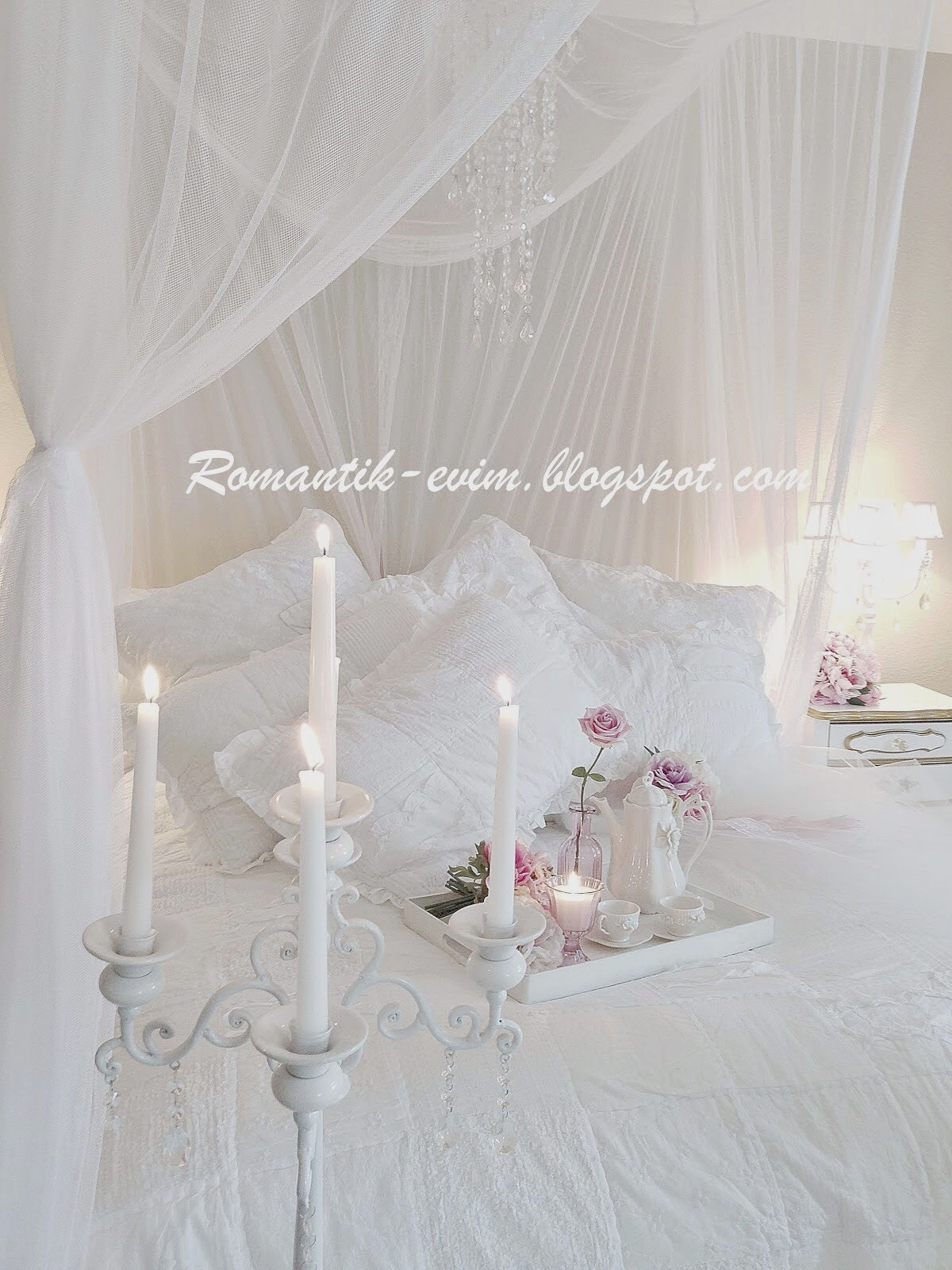 romantic shabby chic home romantic shabby chic pure beauty. Black Bedroom Furniture Sets. Home Design Ideas