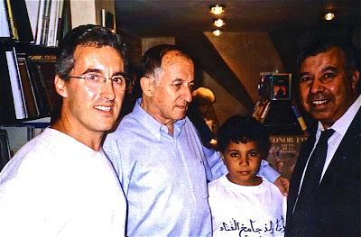 Sergio Barce, Juan Goytisolo y Mohamed Akalay, Tánger, fotografía