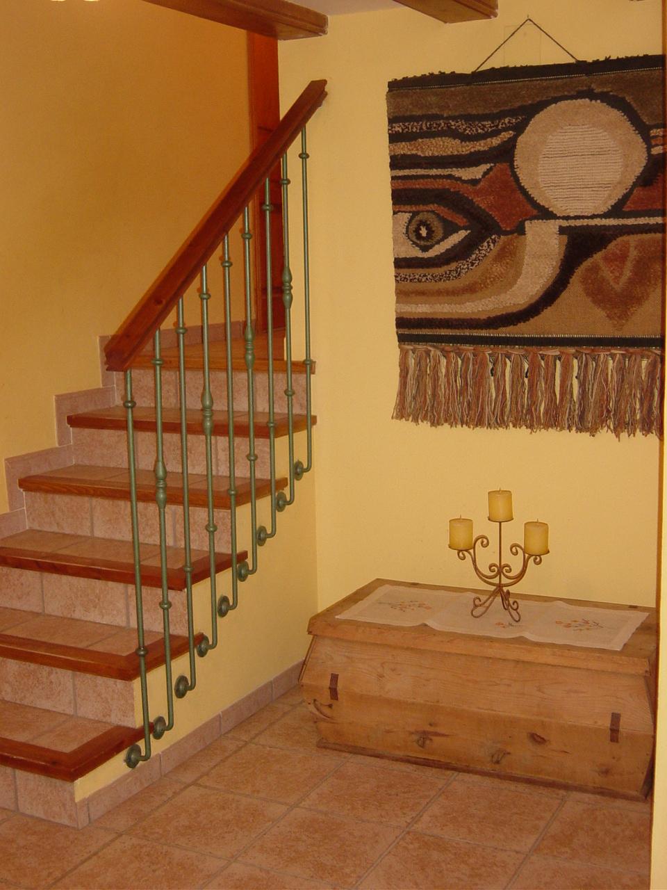 Escaleras de interior a medida escaleras de interiores - Barandillas de forja para escaleras de interior ...