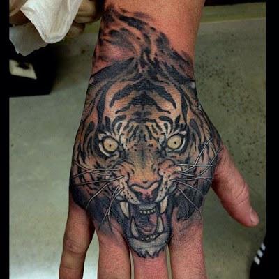 Tatuaje de rostro de tigre