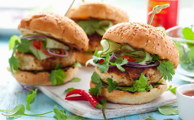 Courgette and cheese burger  Zucchini vegetarian patties Yummy and tasty food,Complete meal,Recipe in english