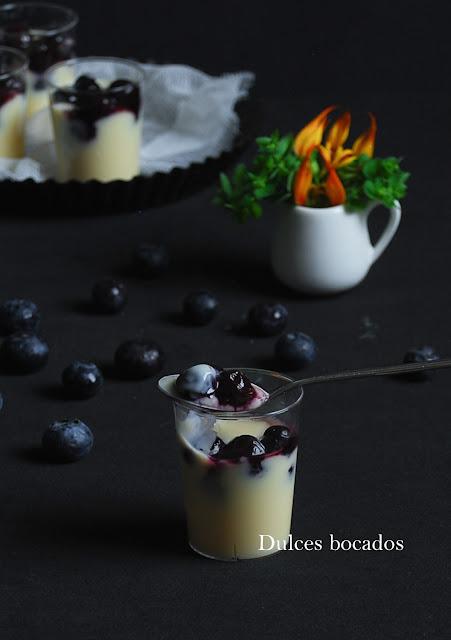 Natillas de aceite de oliva con arándanos - Dulces bocados