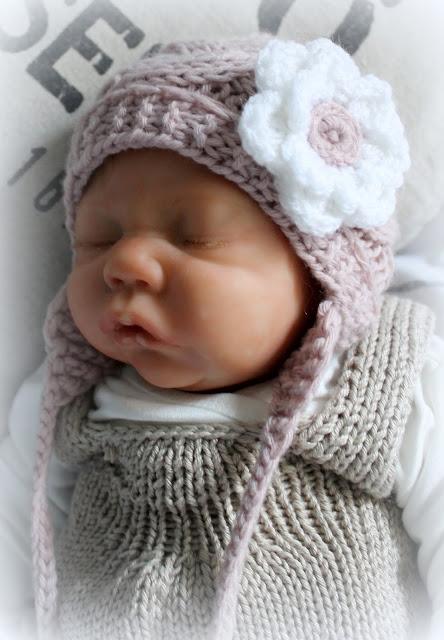 http://de.dawanda.com/product/89751719-baby-muetze-rose