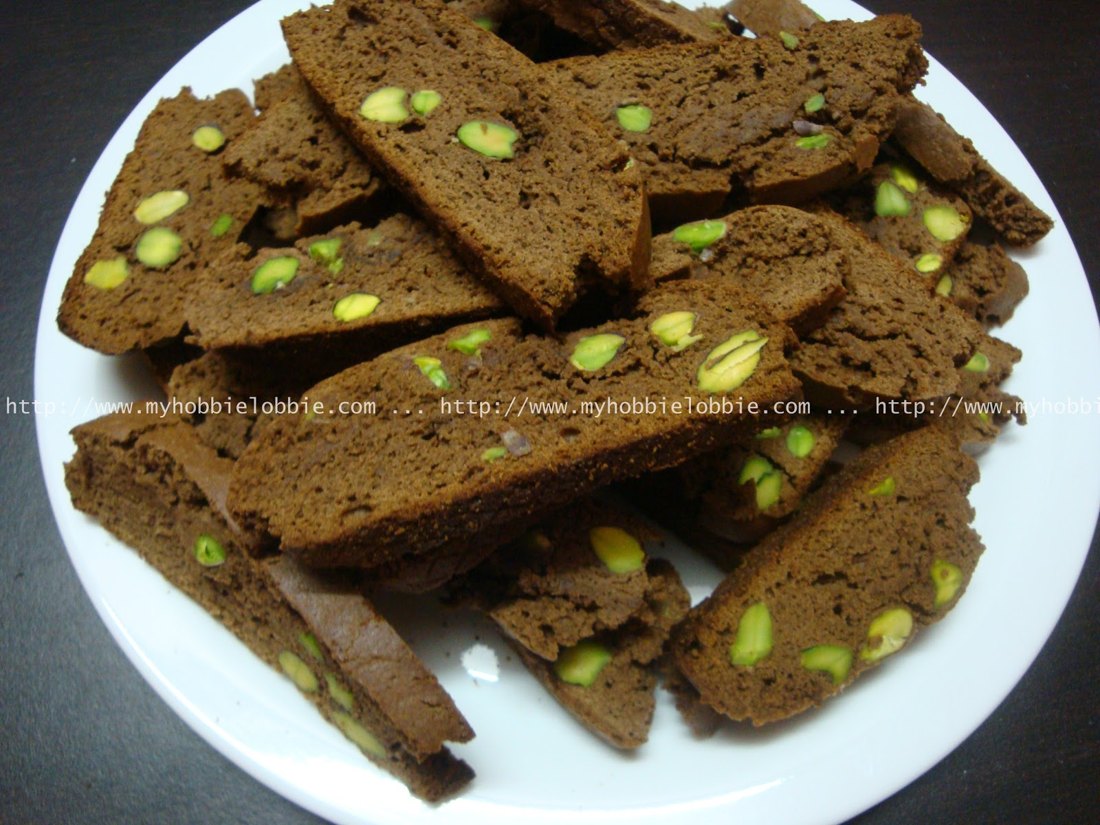My Hobbie Lobbie: Week 4 of 12WOCT: Chocolate Pistachio Biscotti