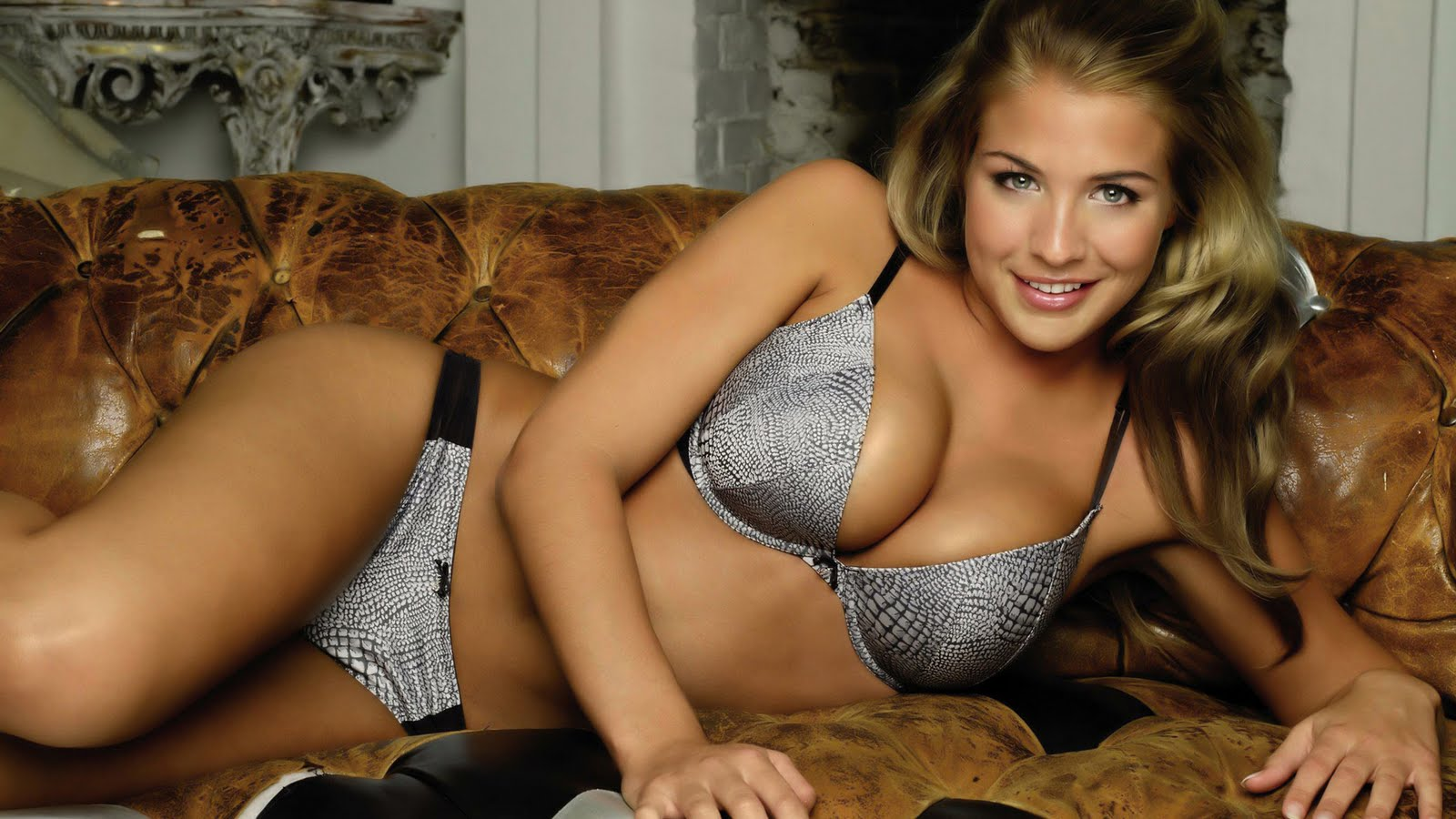 http://2.bp.blogspot.com/-Qpg5-D516T8/TcIp1xR1EgI/AAAAAAAAAFo/HfLLNnJ-wXE/s1600/The-best-top-desktop-gemma-atkinson-wallpapers-hd-gemma-atkinson-wallpaper-29.jpg