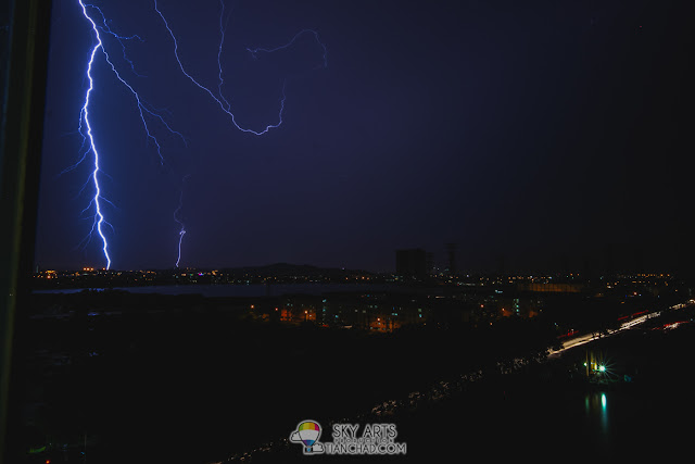 Used NX1 to capture thunder storm too. One of the lucky shot
