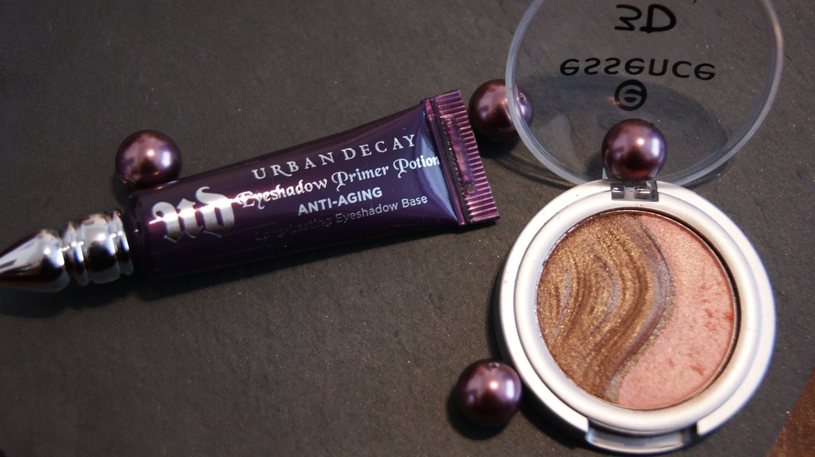 urban decay primer potion tube with eyeshadow