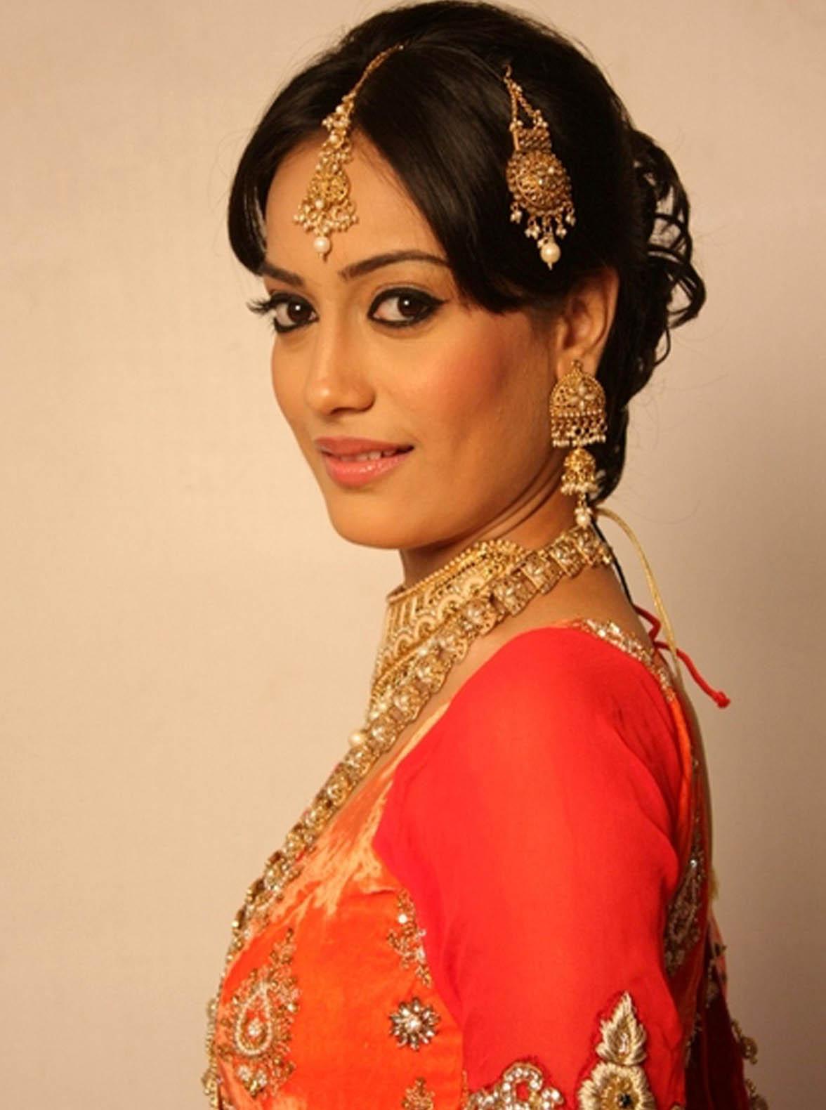 foto Surbhi Jyoti 2012