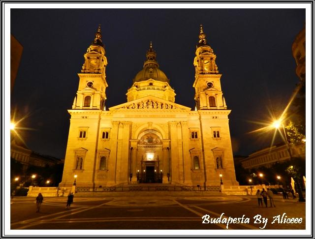 Budapesta-noaptea-Catedrala-centru
