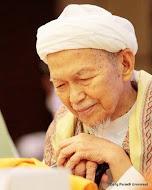 Tuan Guru Dato` Bentara Setia Nik Abdul Aziz B. Tuan Guru Nik Mat