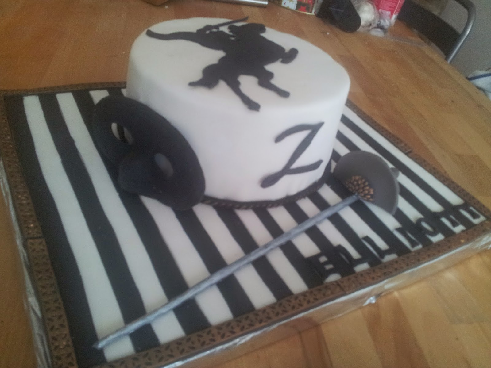 decoration gateau zorro