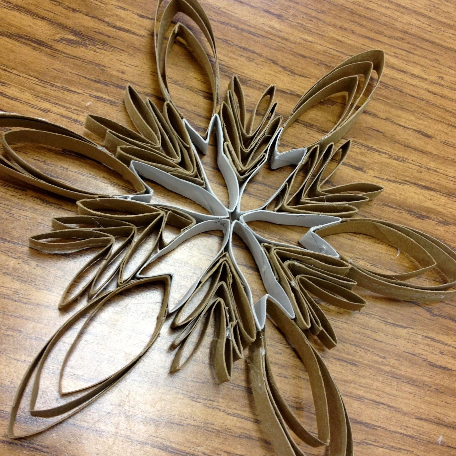 Larcie bird toilet paper tube snowflakes tutorial - Estrellas de papel para navidad ...