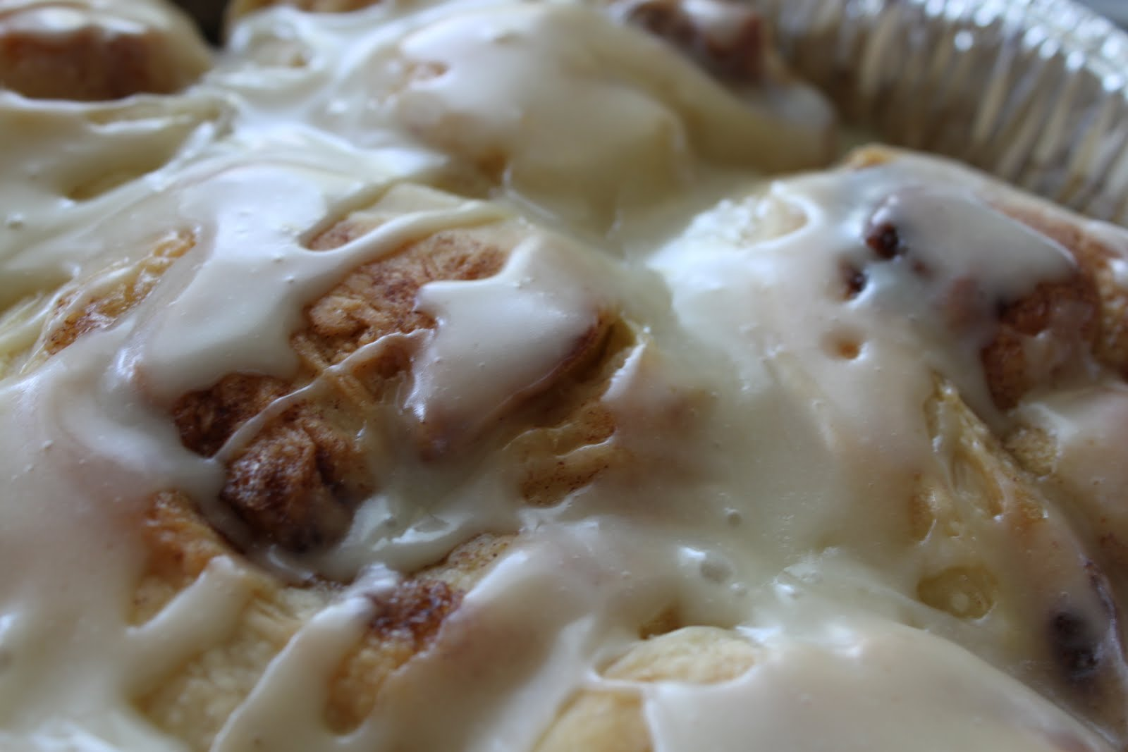 Bountiful Kitchen: Pioneer Woman Maple Glazed Cinnamon Rolls