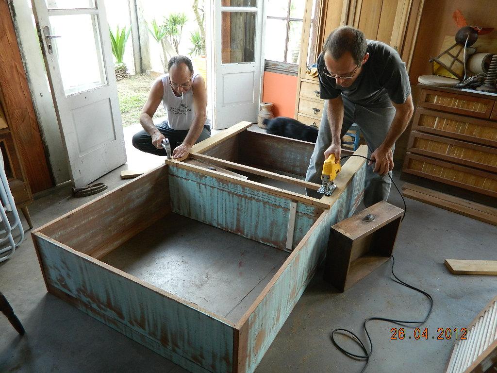 reciclando: Como fazer um armário com madeira de demolição #65472B 1024x768