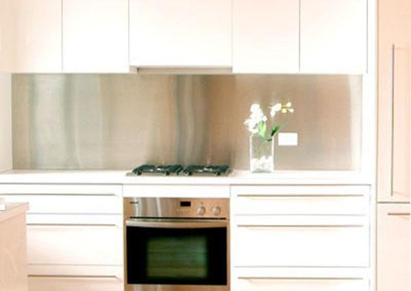stainless steel kitchen splashback the kitchen design 25 best ideas about glass splashbacks on pinterest