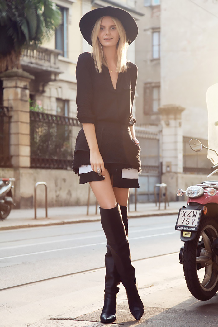 trend alert the knee boots karamode