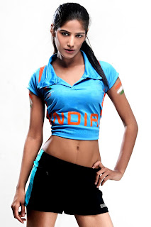 Poonam Pandey Height, Weight and Age