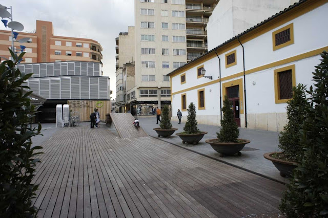 04-Inca-Public-Market-by-Charmaine-Lay-and-Carles-Muro