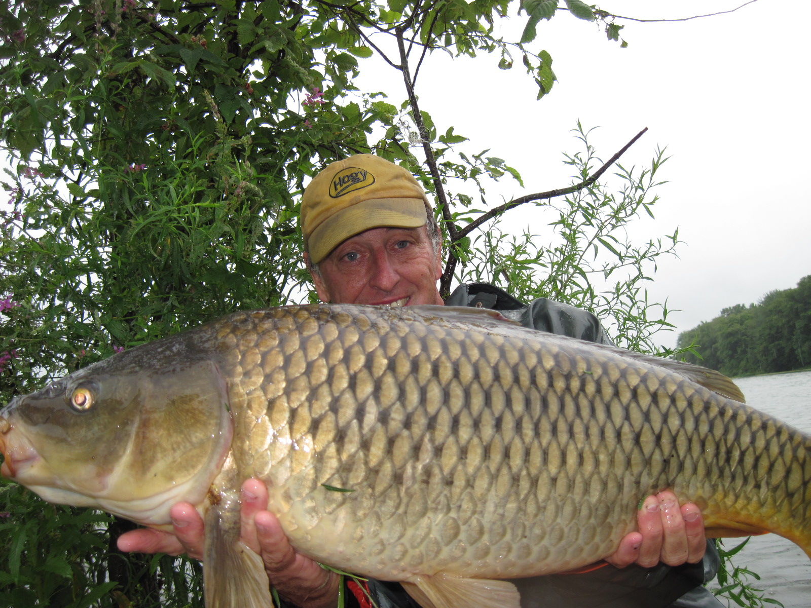 rhode island carp fishing: once again, nasty weather lights up, Reel Combo