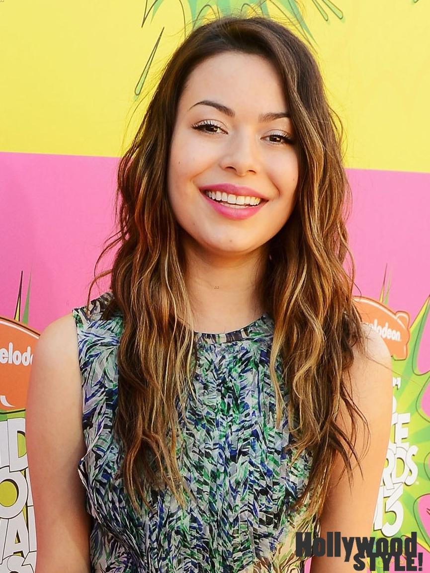 Miranda Cosgrove: Alfombra Púrpura De Los Kids' Choice Awards 2013