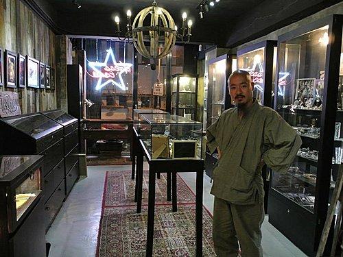 legend 的吉原在Dress Code Silver Jewelry Shop, nao san from legend visit Dress Code in Hong Kong