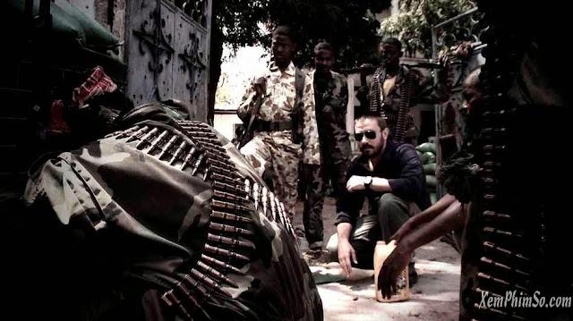 Cuộc Chiến Dơ Bẩn heyphim dirty wars film still jeremy scahill in somalia wide 6fb838fa1e3c6a0e654c23795c654925d36557c6 s6 c30