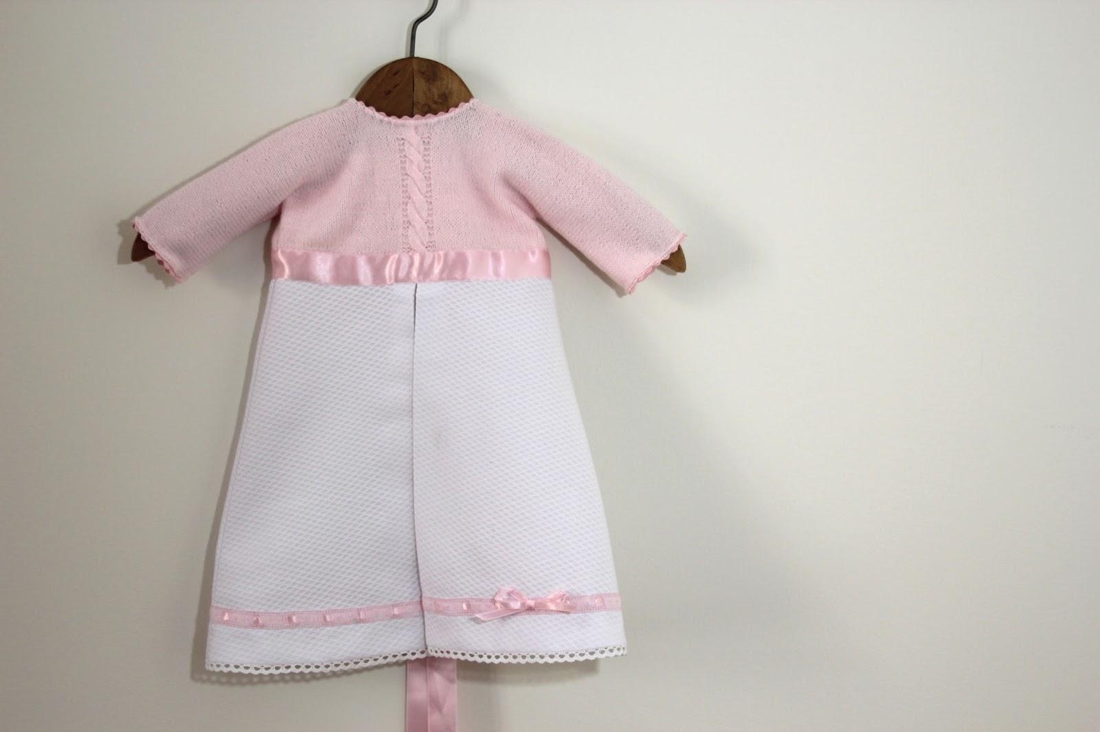 Faldón de bebé DIY (patrones gratis) - Handbox Craft Lovers ...