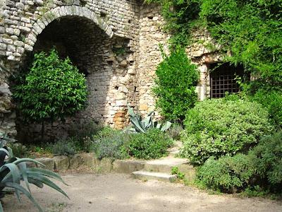 Torre Gironella from El Passeig Arqueològic in Girona