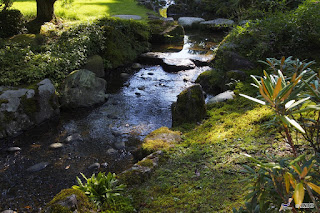 Unique Japan Tours Kanazawa Kenrokuen Garden River