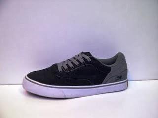 Sepatu Vans LXVI hitam abu murah,