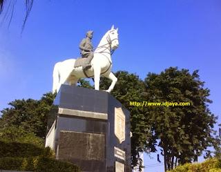 Monumen Mayangkara Surabaya selatan