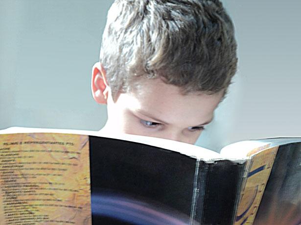 как да стимулираме накараме децата да четат книги
