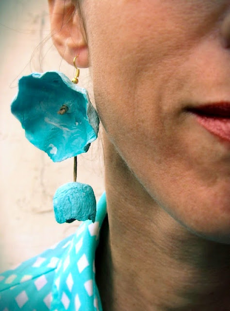 orecchini maxi fatti a mano modello ciliegia turchese, bianco