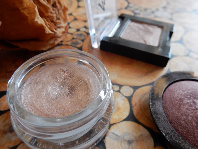 p2 - Forever Intense eye shadow cream in 020 just as you are swatch