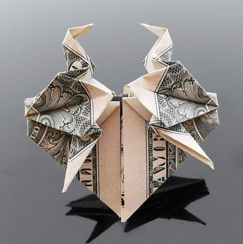 http://2.bp.blogspot.com/-QsysSTmwEi4/Th5pL4i68LI/AAAAAAABG1E/9qxxDvuWB3o/s1600/dollar_origami_art_12.jpg