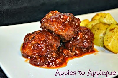 http://www.applestoapplique.com/2012/04/barbecue-meatballs.html