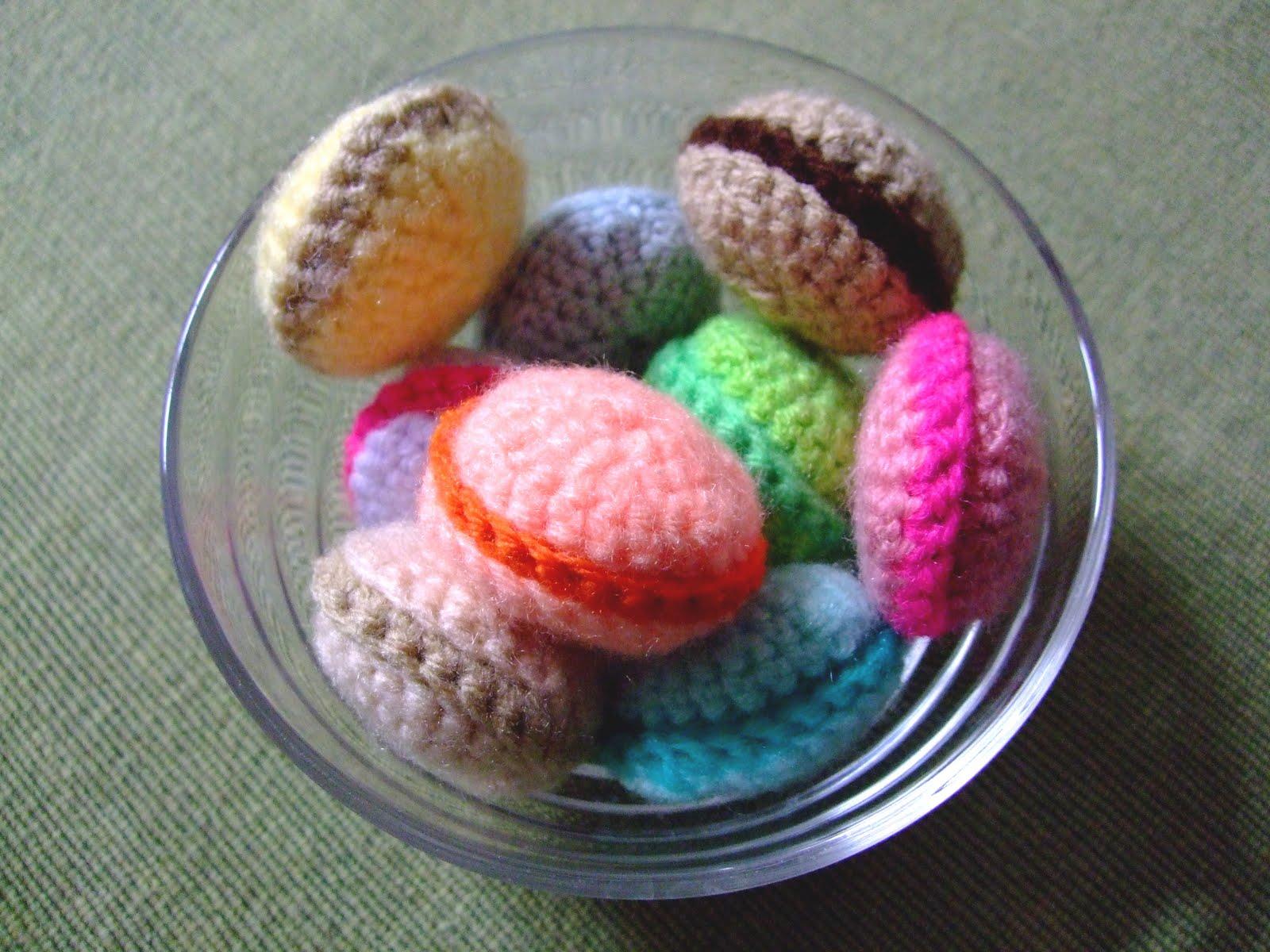 Il blog di Laura: Macarons alluncinetto (amigurumi)