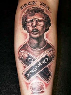 filmes, tatuagens, imagens, cinema, napoleon dynamite, 25 tatuagens baseadas em filmes, arte corporal cinematográfica, eu adoro morar na internet