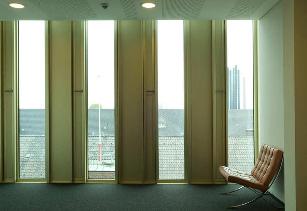 Arquitectura minimalista for Casa minimalista vidriada