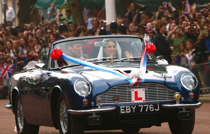 Prince william and kate drive away with Aston Martin