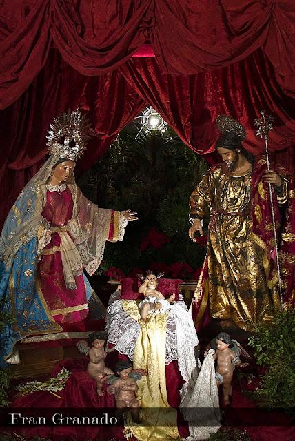 http://franciscogranadopatero35.blogspot.com/2013/12/fotografias-portal-de-belen-hermandad_14.html