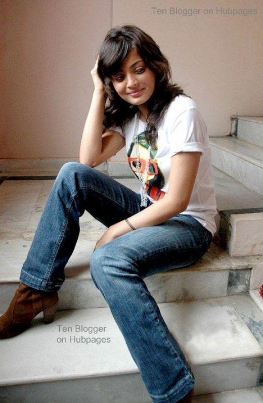 new fashion mall: katrina kaif in jeans