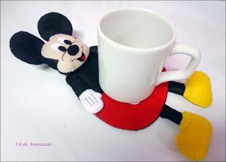 Porta canecas em feltro Mickey