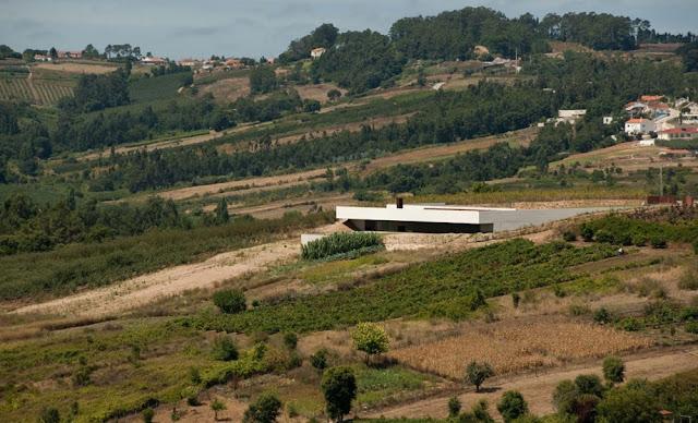 ARQUITECTURA PORTUGUESA: CASA EN ALCOBAÇA