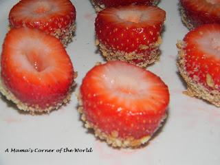 Strawberry Cheesecake Bites Preparing the Strawberries