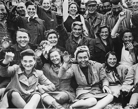 фото голых женщин из лагерей