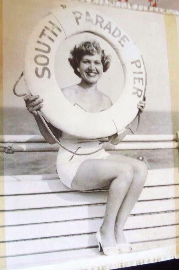 Who was this 1950's pin up girl?